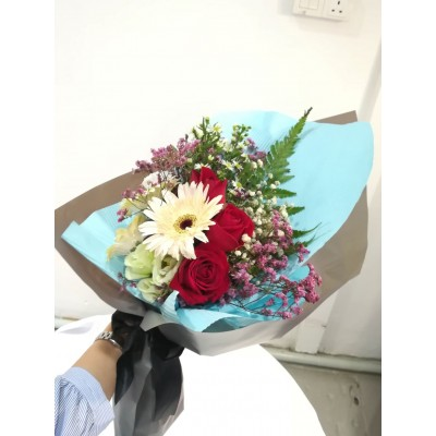 Gerbera / Roses / Carnations Flower Bouquet