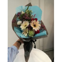 Fresh flower bouquet for anniversary/ appreciation/valentine