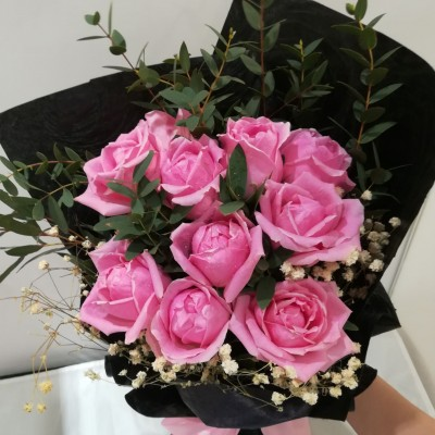 Roses Flower Bouquet for Valentine / Birthday