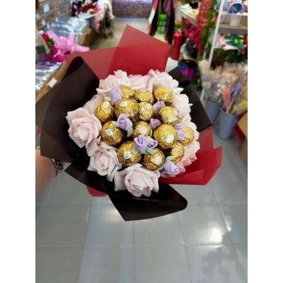 Ferrero Rocher Chocolate Flower+Foam Flower Bouquet