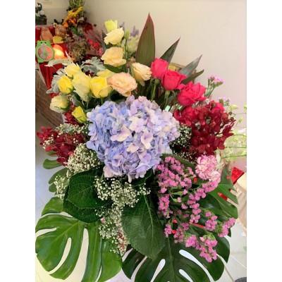 Premium Large Flower Arrangement with Hydrangea & Roses